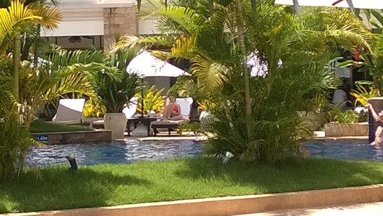 Angkor Miracle Resort & Spa : Saltvannspool