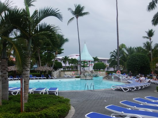 ClubHotel Riu Bachata: Pool. Dont be put off by the clouds, it was still hot