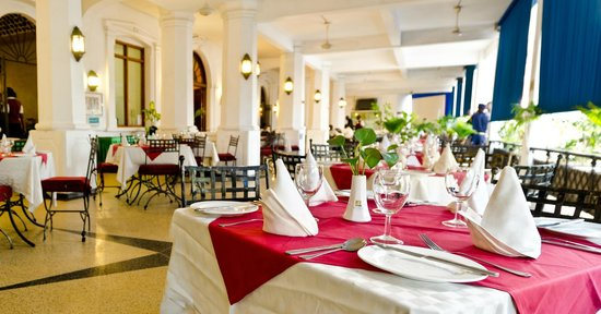 Sentrim Royal Castle Hotel: Restaurant