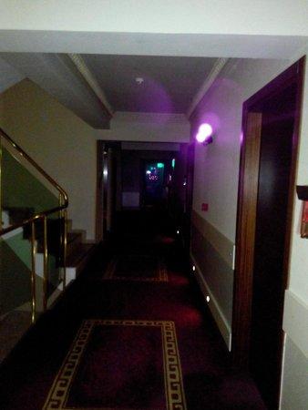 Didim Beach Resort & Spa : çok karanlık korku evi gibi