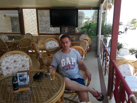 Didim Beach Resort & Spa : mojito bar - otel dışı didim
