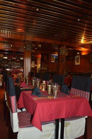 Kathmandu : salle du restaurant