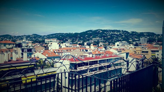 BEST WESTERN Cannes Riviera & Spa: View from roof of hotel