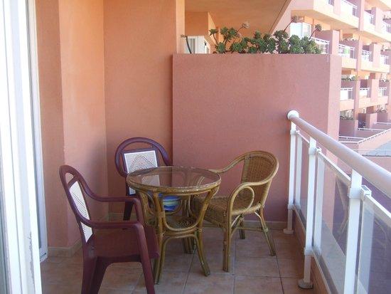 Playaluna Hotel: Terraza de habitación