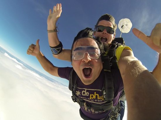 Skydive Fiji : thats what its like to be on top of the world