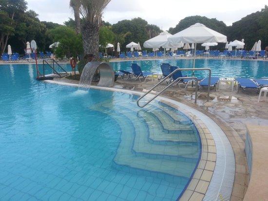 Avanti Hotel: Zwembad