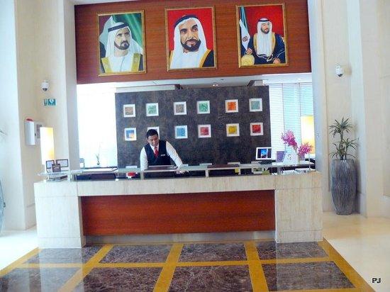 Four Points by Sheraton Sheikh Zayed Road, Dubai : Reception area