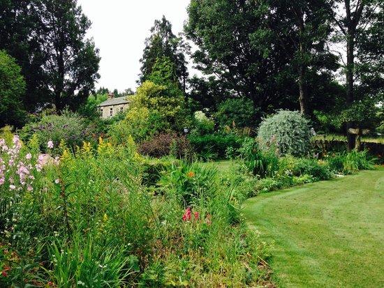 Thornley House: Beautiful gardens