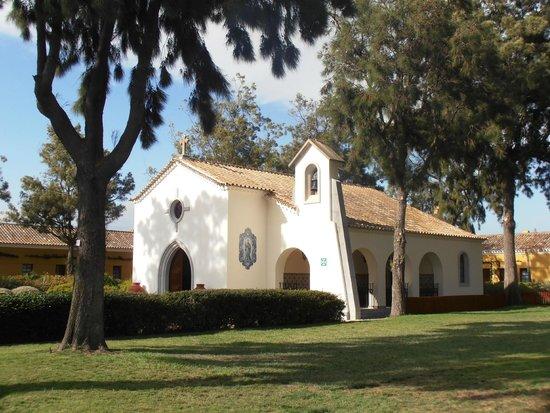 Vila Gale Albacora: A igreja...