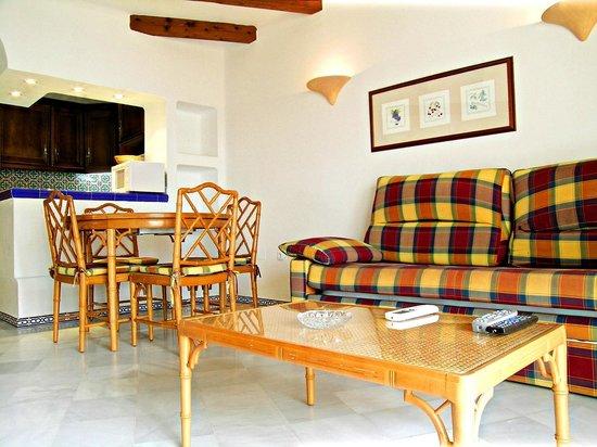 Ona Aldea del Mar: Comedor * Living room