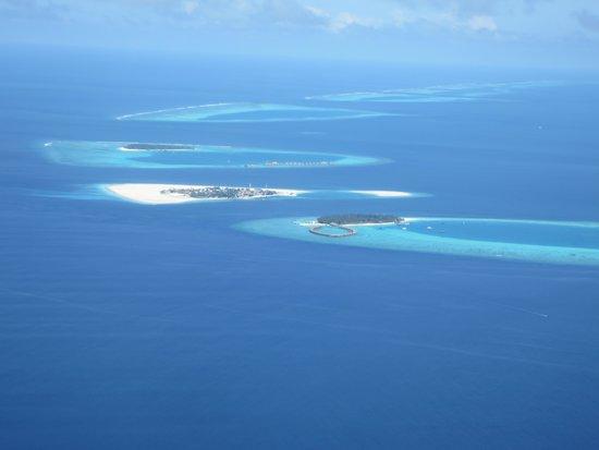 Sun Aqua Vilu Reef : ヴィルリーフの全景とダール環礁