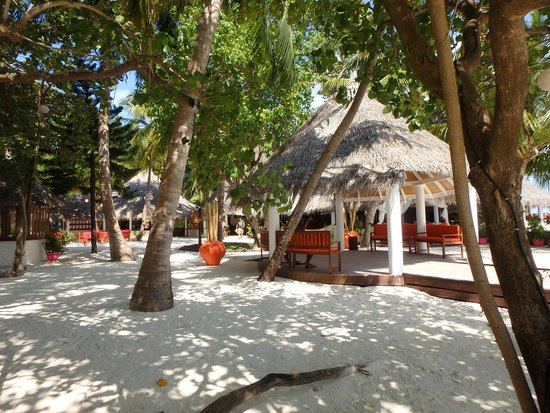 Sun Aqua Vilu Reef: レセプション・ノーチラスレストラン・東屋