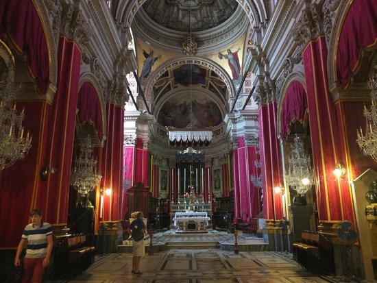 St. George's Basilica : 18 sur 18