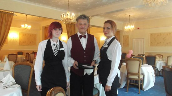 Melville Hall Hotel: freindly staff