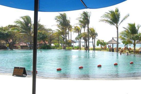 Ayodya Resort Bali : Second pool & beach