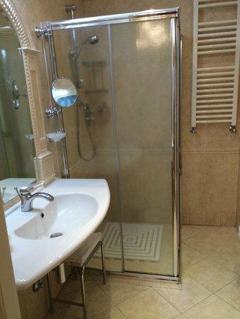 Hotel gambrinus prices reviews cervia italy - Bagno balmor cervia ...