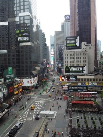 Novotel New York Times Square: view of Times Squ from Roof Top bar at Hotel