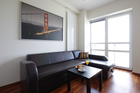 Chopin Apartments Platinum: living room