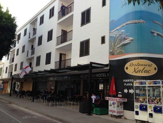 Hotel Moreyo: front of hotel