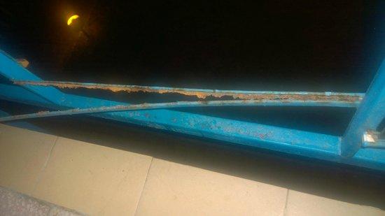 Pomorie Hotel : Rusting where balcony glass panel fell