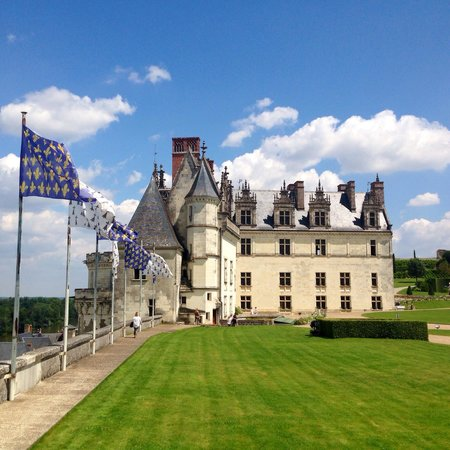 Le Clos Rabelais : Amazing Chatau de Amboise- highly recommend this town and going into this castle!! Stunning view