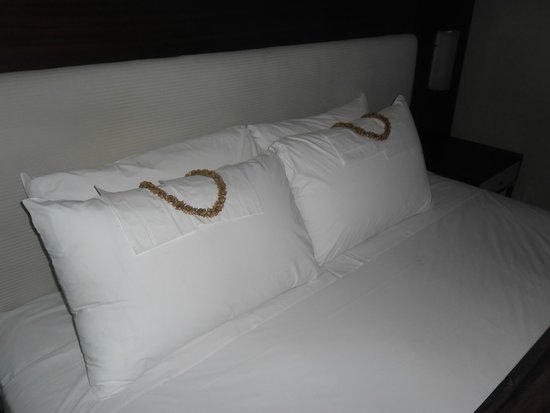 Astoria Plaza : Master Bedroom