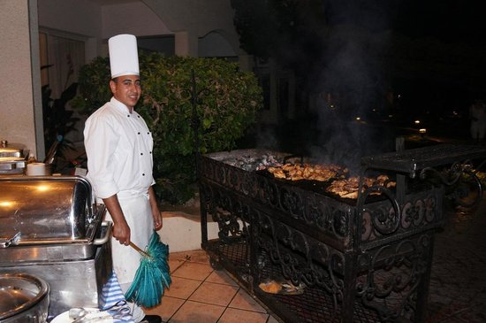 Sharm El Sheikh Marriott Resort : The grill was outside the dining area, at the pool. Great meals overall.