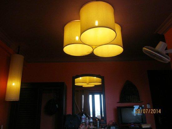 Golden Butterfly Villa: Lightshades in the bedroom