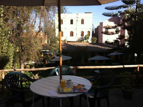 Hotel La Casa de mi Abuela: Breakfast.