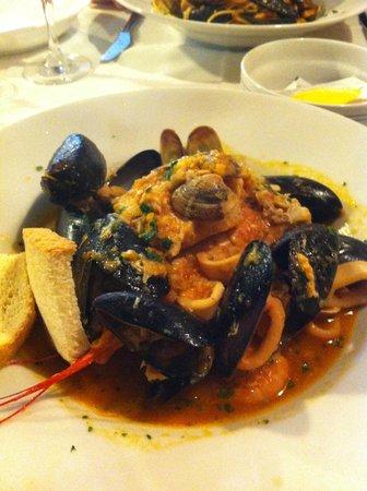 Taverna San Trovaso : Deliziosa zuppa di pesce
