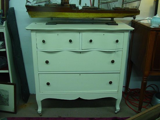 Antiques Center of Yarmouth: Sweet little 2/2 bureau