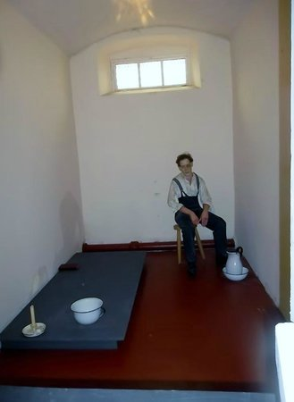 Crumlin Road Gaol: A solitary confinement cell