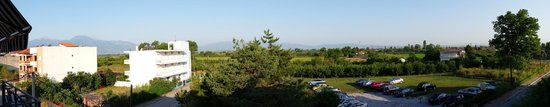 Olympiaki Akti, Yunanistan: View from the rooms towards the Olympus mountain