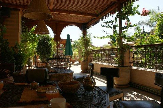 Riad Zouina: La terrasse du petit déjeuner