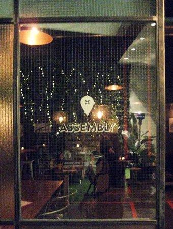 Assembly bar