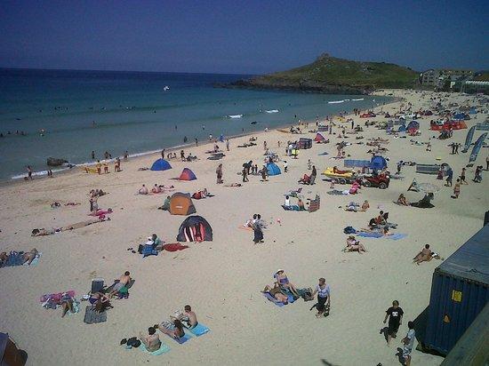 Ayr Holiday Park: The beach the campsite overlooks