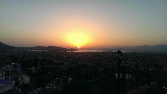 Sundial Restaurant: sunset