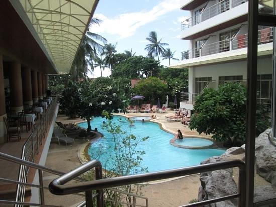 Samui First House Resort : piscine
