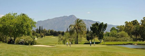 El Paraíso Golf Club: View of La Concha Mountain