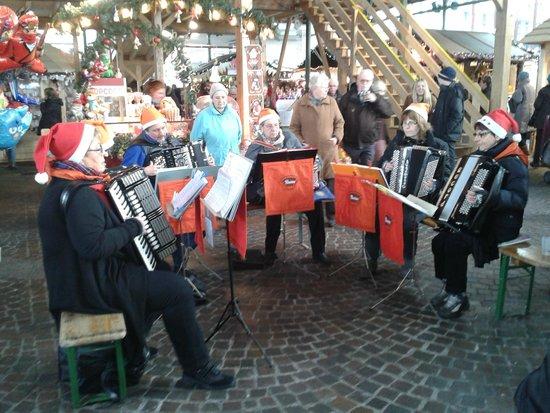 Mercato di Natale di Montreux (Montreux Noel) : Concerto tipico