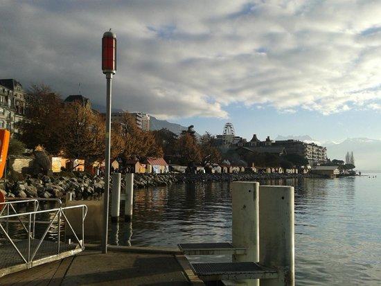 Mercato di Natale di Montreux (Montreux Noel) : Panorama sul lago