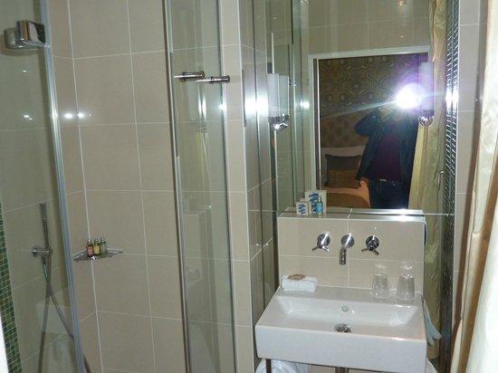 Hotel le Petit Paris : Bathroom