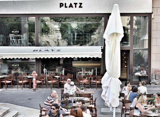 Platz: The place
