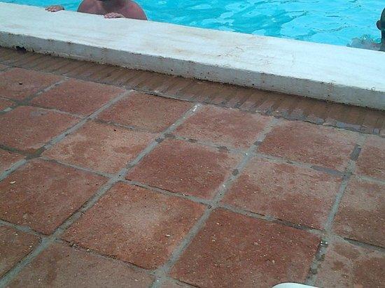 Hotel ATH Portomagno: HIGIENE LAMENTABLE PARA LOS NIÑOS