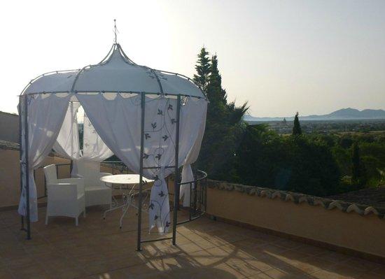 Finca Son Jorbo: Sunrise Rosa terrace