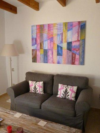 Finca Son Jorbo: Rosa sitting room