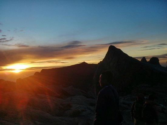 Mount Kinabalu : Рассвет
