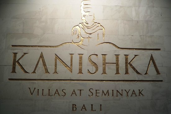 Kanishka Villas: Front sign