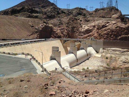 Hoover Dam: Impressive engineering work