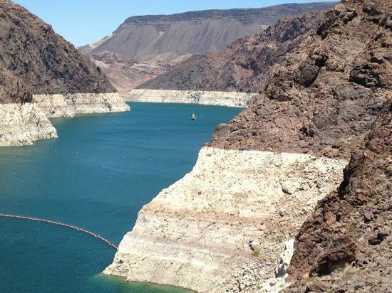 Hoover Dam: Beautiful view of the Colorado river